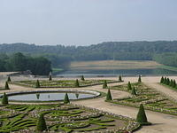 61-versailles: The gardens and grounds of Versaille cover over 2000 acres.